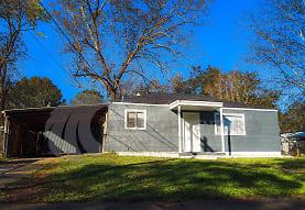 907 Garywood Pl, Hueytown, AL