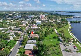 312 S Lakeside Dr, Lake Worth, FL