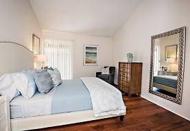 Oakview Apartments, Westlake Village, CA