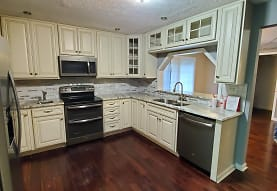 1318 Johnson Rd, Charleston, WV