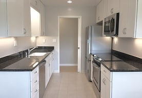 Noel Oaks Apartments, Menlo Park, CA