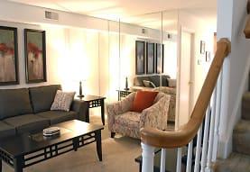 Warson Village Towne House Apartments, Saint Louis, MO