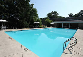 Bridlewood Apartments, North Olmsted, OH