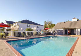 Hampton House Apartments, Long Beach, MS