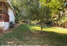 10300 Field Ln, Forestville, CA