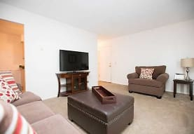 Holland Crossing Apartments, Maumee, OH