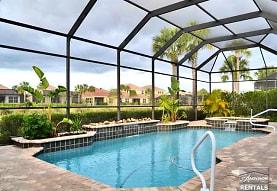 8211 Potomac Ln, Naples, FL