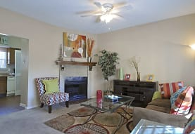 Summer Bend Apartments, Irving, TX