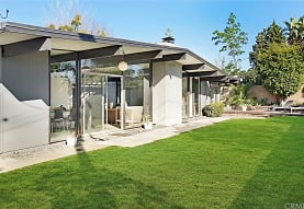 742 E Ferndale Ave, Orange, CA