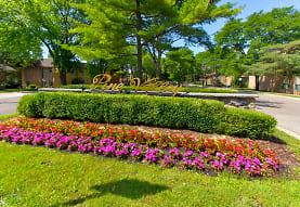 Pine Valley Apartments - Ann Arbor, MI 48104