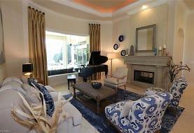 1824 Crayton Rd, Naples, FL