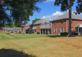 Southpoint Apartments, Amherst, MA