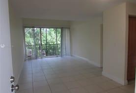 8810 Fontainebleau Blvd 318, Miami, FL