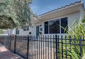 8225 Hawthorne Ave, Miami Beach, FL