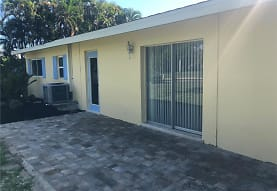 15362 Myrtle St, Fort Myers, FL