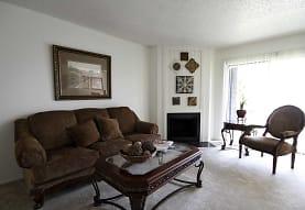 Oak Hollow Apartments, Longview, TX