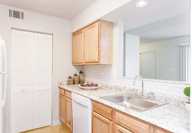 Summit Chase Townhomes & Apartment Homes, Endicott, NY