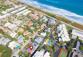 30 Hersey Dr, Boynton Beach, FL