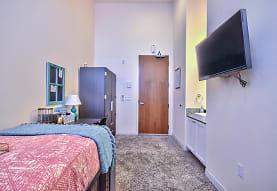 Suites On Paseo, San Diego, CA