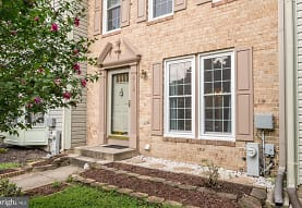 2118 Commissary Cir, Odenton, MD
