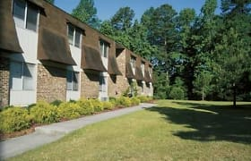 Eastbrook And Village Green Apartments Greenville Nc 27858