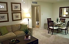 A1 A2 671 Sq Ft Studio To 2 Beds From 760