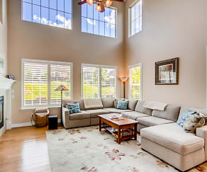 Living Room, 10616 Clearview Lane