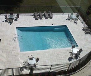 Pool, Pointe At Bay Cove