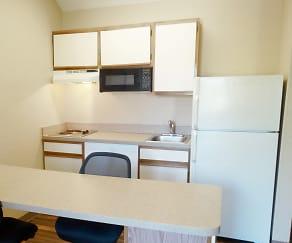 Kitchen, Furnished Studio - Denver - Tech Center South - Greenwood Village