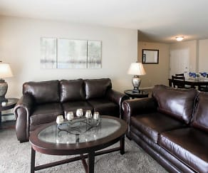 Living Room, Lincoln Meadows Apartments