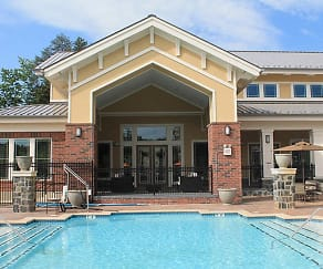 Pool, Stone Pointe Apartments
