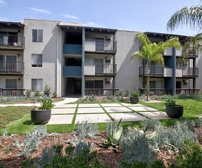 Courtyard, Waterstone Apartment Homes