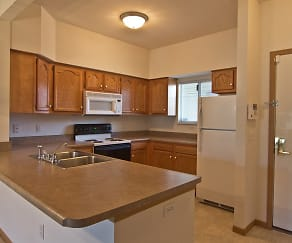 Kitchen, Steeplechase Apartments & Townhomes