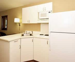 Kitchen, Furnished Studio - Asheville - Tunnel Rd.