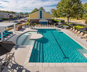 Pool, The Amber at Greenbrier