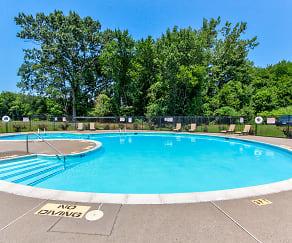 Pool, Vernon Gardens Apartments
