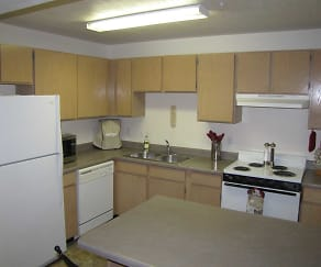 Kitchen, Thorneberry Atrium Senior Living 55+