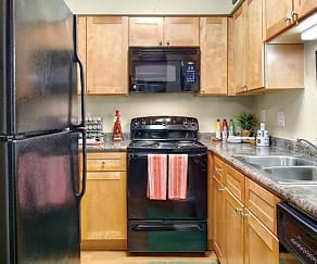 Kitchen, Signal Pointe
