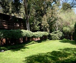Hillside Garden Apartment Homes
