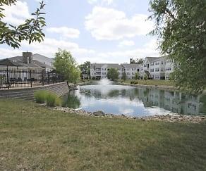 Lake, Stone Ridge Apartments