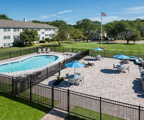 Pool, Spring Hill Apartments