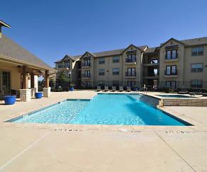 Pool, Oak Hollow