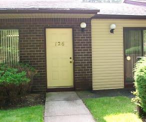 126 Front door.JPG, 126 BIRCHWOOD RD