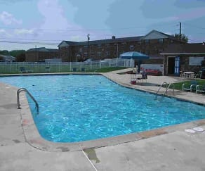 Pool, Quakertown West