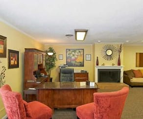 Living Room, 380 Harding Place