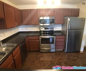 Kitchen, Newer 3 BR 2 BA Condo in Powers Ridge