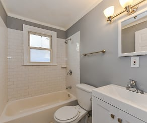 Bathroom, 108-2 Sylvania