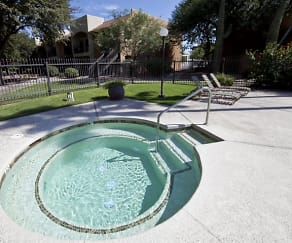 Pool, Casa Bella