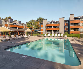 Pool, Northpoint Apartments