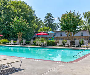 Pool, Laurel Pointe Apartments